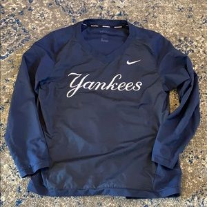 Nike Dri-Fit  Yankees v-neck  pull over